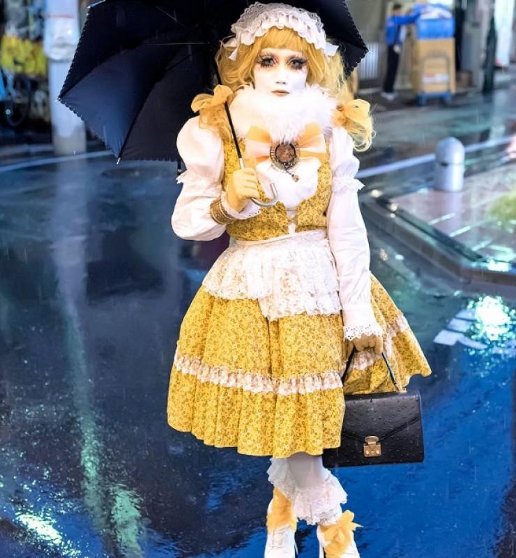Minori-Shironuri-Harajuku-Rain-20141120DSC1180-600×900