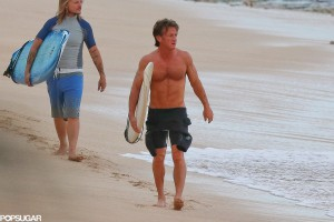 Sean-Penn-Surfing-Hawaii